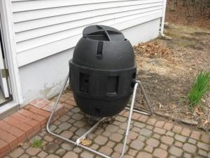 Tumbling Compost Bin